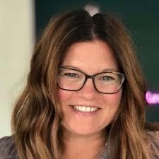 Amy Volas Headshot 2020